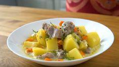 Pulpă de curcan înnăbușită cu cartofi în sos de smântână și usturoi. O savoare nelimitată! - Retete-Usoare.eu Fruit Salad, Food And Drink, Fruit Salads