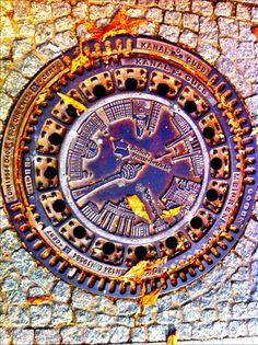 """""""Manhole"""" cover in Berlin -mandala"""