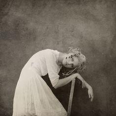 The Magic Of Art Photography – Modern Photography Ideas Eerie Photography, Modern Photography, Artistic Photography, Photography Women, Creative Photography, Portrait Photography, Portrait Inspiration, Photoshoot Inspiration, Jennifer Hudson