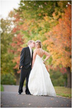 Fall Wedding / LinneaLiz Photography / www.LinneaLiz.com