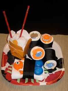 Sushi baby shower gift Diy Baby Gifts, Cute Gifts, Nappy Cakes, Having A Baby, Couches, Homemade Baby Shower Favors, Baby Shower Crafts, Baby Items, Baby Love