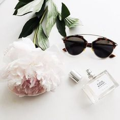 Fragrance from nature + fragrance from the bottle. #StyleFlatLay