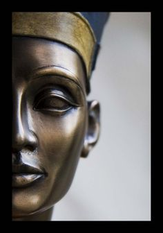 Queen Nefertiti bust   3400-year-old