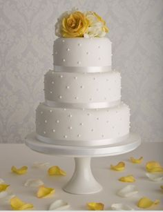 Affordable wedding cakes - Simple wedding cakes by Maisie Fantaisie Wedding Cake Pearls, 3 Tier Wedding Cakes, Elegant Wedding Cakes, Beautiful Wedding Cakes, Wedding Cake Designs, Beautiful Cakes, Amazing Cakes, Yellow Wedding Cakes, Trendy Wedding