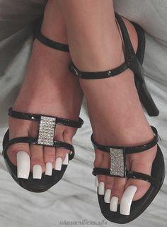 Pretty Toe Nails, Cute Toe Nails, Sexy Nails, Sexy Toes, Pretty Toes, White Toenails, White Pedicure, Long Toenails, White Toes