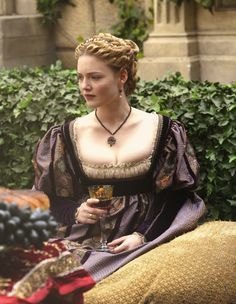 Holliday Grainger as Lucrezia Borgia in The Borgias (TV Series, 2013).