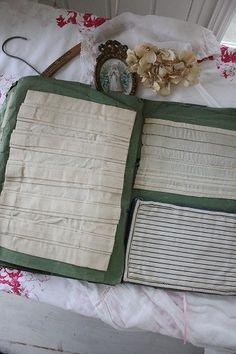 「イギリスアンティーク エンブロイダリーサンプラーズ」ココン・フワット Coconfouato [アンティーク&雑貨] アンティーククロス アンティークファブリック アンティークテキスタイル  ファブリック レース --cloth--