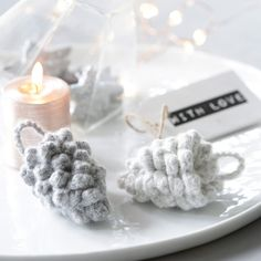 (5) Tussa E-post :: Småstrikk Spesial Noel Christmas, Christmas Crafts, Christmas Knitting, Diy Crochet, Pine Cones, Other Accessories, Candle Holders, Creations, Santa