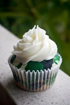 @Sarah Chintomby Wilkison @Courtney Baker Cochley    Camo cupcake  Sarah, the vanilla cupcakes!