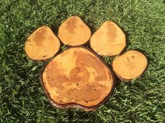 "PAW PRINT – Sawn cross cut wood log chargers treated with Pentacryl and varnished – 24"" wide approximately by SalvageMaestro on Etsy"