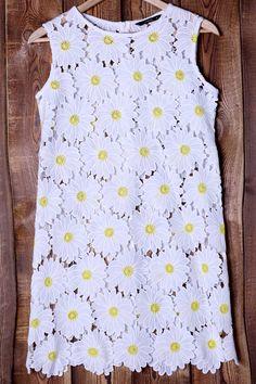 Floral Daisy Pattern Round Neck Sundress #Floral #Daisies #Sun_Dress #Sundresses #Summer_Dresses #Garden_Party #Style #Ideas