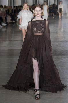Giambattista Valli Spring 2019 Ready-to-Wear Collection - Vogue