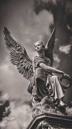 La Lectora De Libros : Actualización Grimorio Magistral (Listado) del 25... Cemetery Angels, Cemetery Statues, Cemetery Art, Statue Tattoo, Statue Ange, Angels And Demons, Angel Art, Mythology, Art Reference