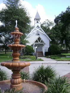 Altamonte Chapel with Fountain, Altamonte Springs, FL. My Hometown. Altamonte Springs Florida, United Church Of Christ, Old Churches, Florida Living, Old Florida, Place Of Worship, Kirchen, Fountain, Beautiful Places