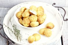 http://www.kucharinka.cz/gougere-koule-z-odpalovaneho-testa/