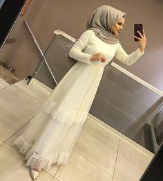 Abaya Style 650559108649238972 - Source by Hijab Dress Party, Hijab Style Dress, Casual Hijab Outfit, Abaya Style, Abaya Fashion, Muslim Fashion, Modest Fashion, Fashion Dresses, Muslimah Wedding Dress