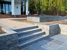 Backyard Problem Solver – Inexpensive Hints & Tips – Backyard Hit Backyard Patio Designs, Backyard Landscaping, Patio Chico, Contemporary Garden Design, Back Garden Design, Landscaping Retaining Walls, Garden Stairs, Sloped Garden, Patio Steps
