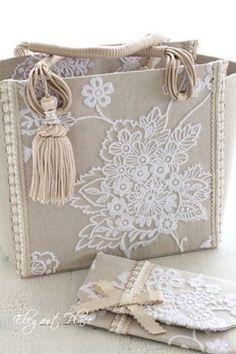 自動代替テキストはありません。 Leather Bags Handmade, Handmade Bags, Lace Bag, Gift Wraping, Ethno Style, Jute Crafts, Denim Handbags, Burlap Fabric, Jute Bags