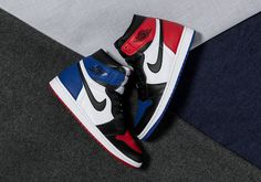 """The Air Jordan 1 """"Top Three"""" Releases Tomorrow Nike Free Shoes, Running Shoes Nike, Nike Free Runners, Tennis Shoes Outfit, Minions, Aesthetic Shoes, Hype Shoes, Fresh Shoes, Nike Air Jordans"""