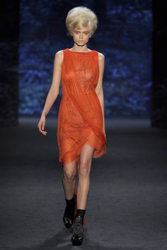 Vera Wang - Spring 2011 Ready-to-Wear