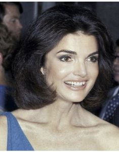 trendy iconic women in history jackie kennedy Jacqueline Kennedy Onassis, Jackie Kennedy Style, Les Kennedy, Jaqueline Kennedy, John Kennedy Jr, Jfk Jr, Rose Kennedy Schlossberg, Jackie Kennedy Quotes, Iconic Women
