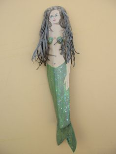 Items similar to Mermaid on Palm Frond on Etsy Palm Frond Art, Palm Tree Art, Palm Tree Leaves, Palm Fronds, Palm Trees, Fish Crafts, Beach Crafts, Palm Branch Craft, Nautical Christmas