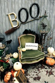 Would be super cute for a halloween photo shoot! Maybe for mini's in 2012?                                                                                                                                                      More