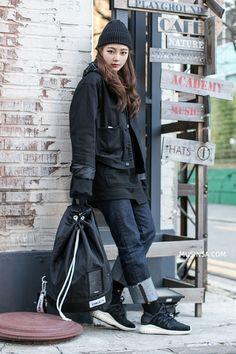 Các bạn trẻ thế giới với street style đẹp mòn con mắt - Ảnh 8. Asian Street Style, Korean Street Fashion, Asian Style, Asian Fashion, Winter Fashion Outfits, Casual Outfits, Casual Clothes, Mix Style, Style Me