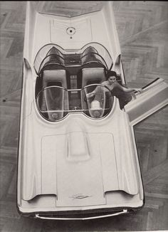 1956 Lincoln Futura via farm3.static.flickr.com