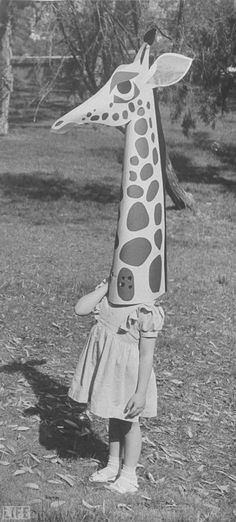 Toy giraffe by Charles Eames : Life magazine 1951 | Photographer : Allan Grant