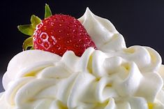 If you want to learn how to make whipped cream, this basic recipe is a simple take on a gourmet treat. Use it for frosting, filling, or dip strawberries for fun, quick and easy summer dessert ideas. Flavored Whipped Cream, Sweet Whipped Cream, Stabilized Whipped Cream, Making Whipped Cream, Whipped Topping, Fresh Cream, Ice Cream, Recipes With Whipping Cream, Cream Recipes