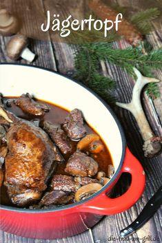 Hier kommt das original Jägertopf Rezept - auch Hubertustopf genannt. Ein absoluter Kracher zur Wildzeit im Herbst und Winter! Zusammen mit Spätzle und Blaukraut ein absoluter Festtagsschmaus... #jägertopf #hubertustopf #rehgulasch #wild #wildgericht #hirsch #reh #jäger #jagd #winter #herbst #rezept #kochen #rezepte #dutchoven #bbq #winteressen