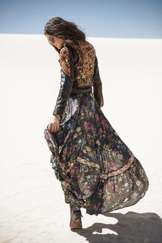 I love how she took two unique pieces and paired them creating her own signature style. Definitely a great example of not being afraid of fashion and making it work for you.  I want to be a badass gypsy