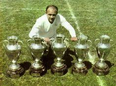 ALFREDO DIESTEFANO WINNER OF 5 CHAMPIONS LEAGUE WITH REAL MADRID!! http://www.ligafutbol.net/wp-content/2009/02/diestefano.jpg
