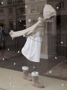 cute wirey mannequin, snowy display..