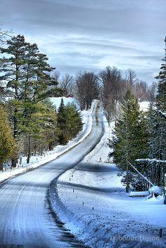 Country road in winter, Vermont (by Deborah Benoit)