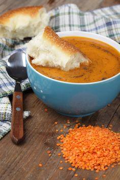 Turkish Ezogelin Soup Recipe Soup Recipes, Vegetarian Recipes, Cooking Recipes, Healthy Recipes, Bulgur Recipes, Healthy Food, Bowl Of Soup, Soup And Salad, Turkish Recipes