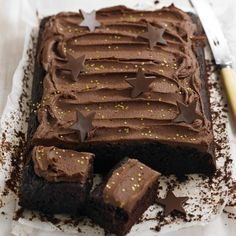 Chocolate tray bake birthday cake recipe - baking recipes, cake recipes, recipe ideas - Woman And Home Tray Bake Recipes, Dessert Cake Recipes, Baking Recipes, Desserts, Bake Sale Recipes, Baking Ideas, Chocolate Traybake, Chocolate Ganache, Chocolate Cakes