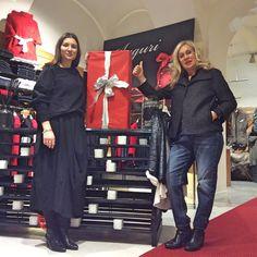 Vi regaliamo la nostra simpatia 💃👠🇮🇹 #orgogliodiessereitaliano #italyintheworld #madeinitaly #fashion #styles #stylish  #model #glam #glamour #outfit #ootd #instagood #instafashion #shopping #today #tagsforlikes #todayimwearing #mylook #fashionista #instastyle #fashiongram #beautiful #accessories  #swag #cute #confezionimontibeller #borgovalsugana #trentino #livelovevalsugana  http://www.confezionimontibeller.it