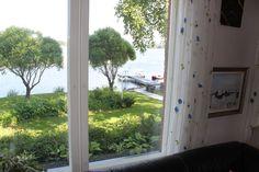 Olohuoneen ikkunsta näköala järvelle #Puruvesi #Punkaharju #talo #myytävänä #houseforsale