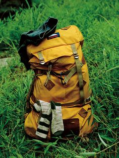 I wanna go backpacking in the cities and in the countryside http://www.ebay.com/itm/Vtg-Deadstock-Yellow-Canvas-Leather-JANSPORT-Day-Pack-Hiking-Camp-Backpack-/131329127402?pt=LH_DefaultDomain_0&hash=item1e93d373ea