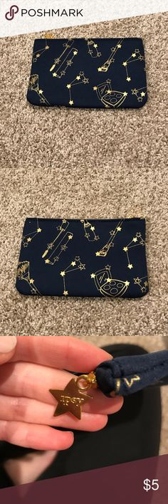 Ipsy make up bag. Ipsy - small cosmetic bag - hardly used. Ipsy Other