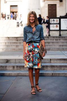 Google Afbeeldingen resultaat voor http://showandtellme.com/wp-content/uploads/2012/07/printed-skirt-and-chambray-shirt-Vanessa-Jackman.jpg