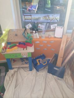 Carpenters workshop role play area eyfs