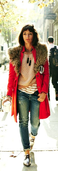 A fur collar coat makes every outfit more beautiful! Layer your jacket over any piece in your closet to instantly up the glam factor!