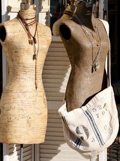 wonderful dress forms want em so bad Mannequin Art, Vintage Mannequin, Dress Form Mannequin, Lovely Dresses, Vintage Dresses, Manequin, Dress Up, Bodycon Dress, Vintage Trends