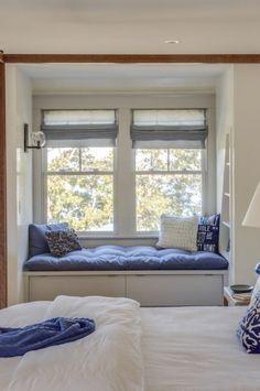 45 amazing bookshelves window seat inspire 37 - Home Design Ideas Small Space Interior Design, Home Room Design, Interior Design Living Room, House Design, Design Bedroom, Design Design, Design Trends, Kitchen Design, Design Ideas