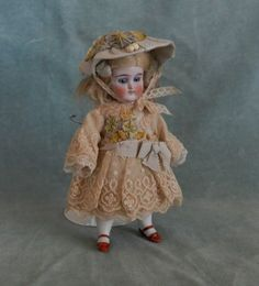 Antique-tulle-lace-dress-hat-with-ribbonwork-mignonette-all-bisque-doll