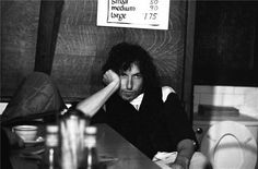 Bob Dylan visits a Massachusetts diner during a stop on the Rolling Thunder Revue tour. 1975.
