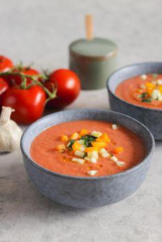 Gazpacho im andalusischen Stil - Soups - Essen Fodmap, Munich, Tapas, Curry, Food And Drink, Veggies, Low Carb, Favorite Recipes, Healthy Recipes